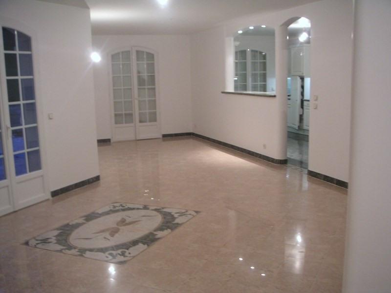 Location maison / villa Orgeval 3500€ CC - Photo 3