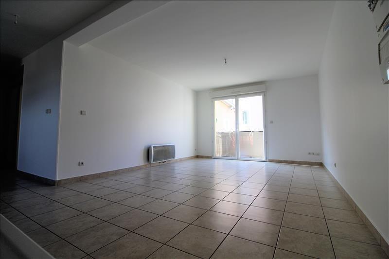 Rental apartment Izeaux 580€ CC - Picture 1