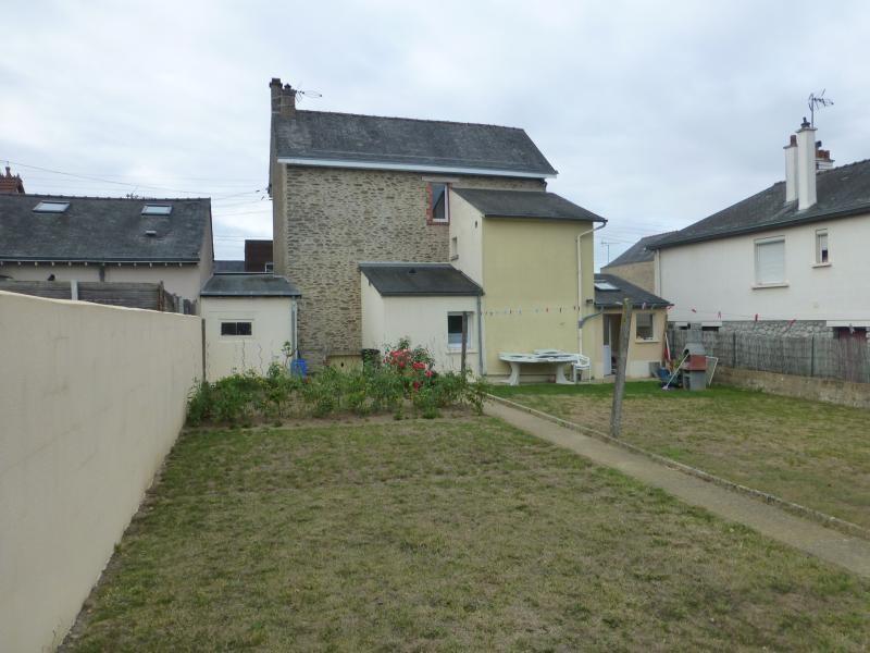 Sale house / villa Laval 192400€ - Picture 1