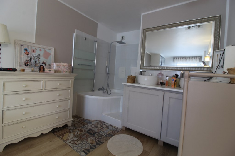 Vente appartement Hyeres 393 700€ - Photo 8