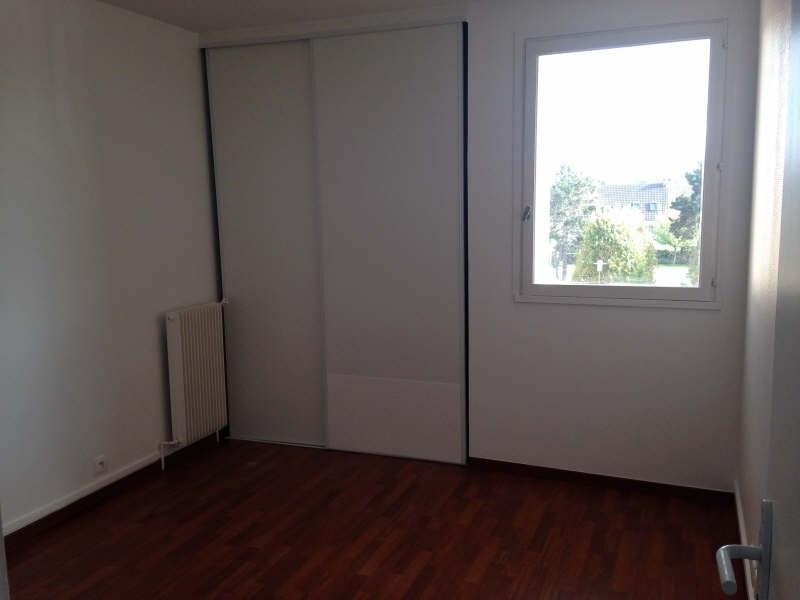 Rental apartment Maurepas 772€ CC - Picture 4