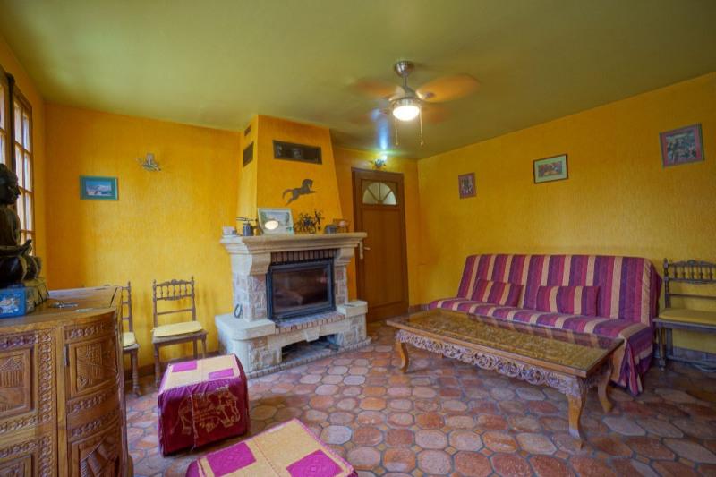Sale house / villa Les andelys 242000€ - Picture 2