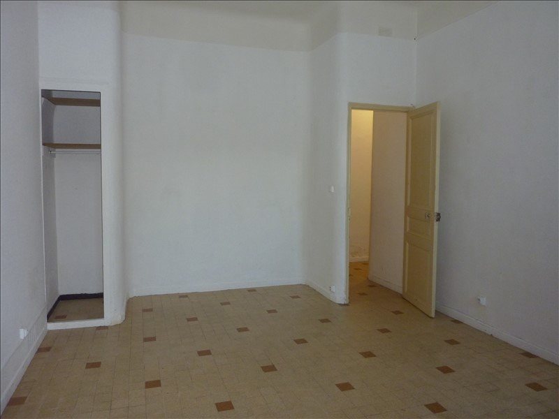 Rental apartment Marseille 4ème 490€ CC - Picture 1