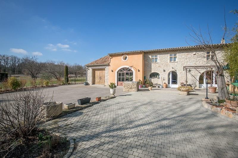 Deluxe sale house / villa Le puy ste reparade 798000€ - Picture 1