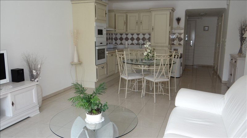 Sale apartment Cavalaire 298000€ - Picture 2