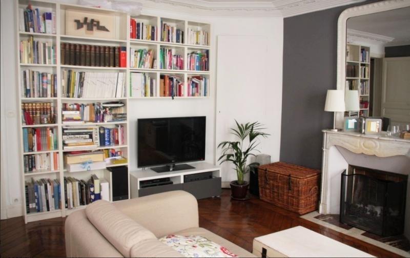 Sale apartment Paris 10ème 850000€ - Picture 1