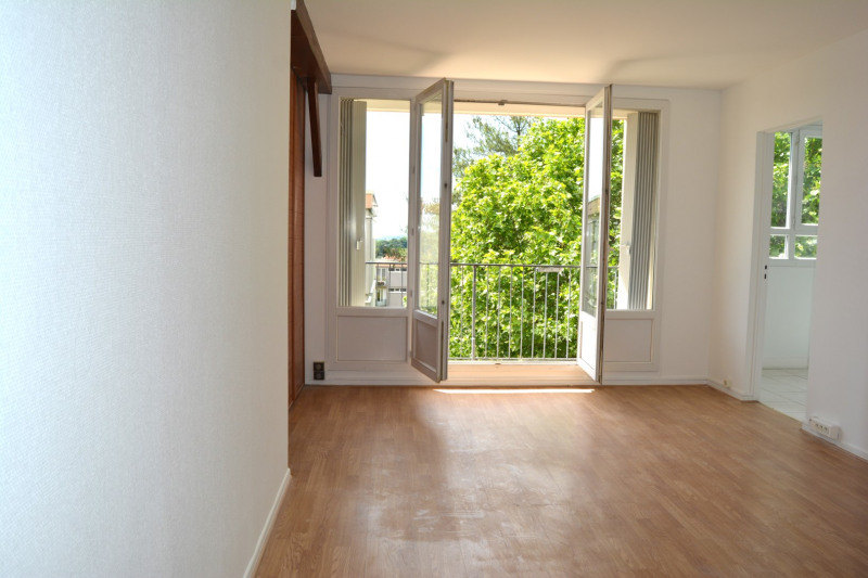 Sale apartment Le plessis-robinson 254 500€ - Picture 1