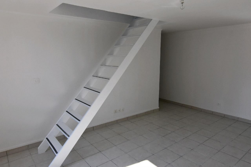 Sale apartment Chambly 109 000€ - Picture 1