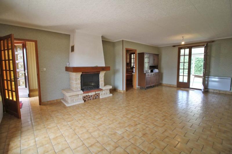 Vente maison / villa La chartre sur le loir 136000€ - Photo 2