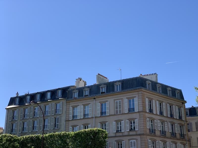 Sale apartment Versailles 515000€ - Picture 2