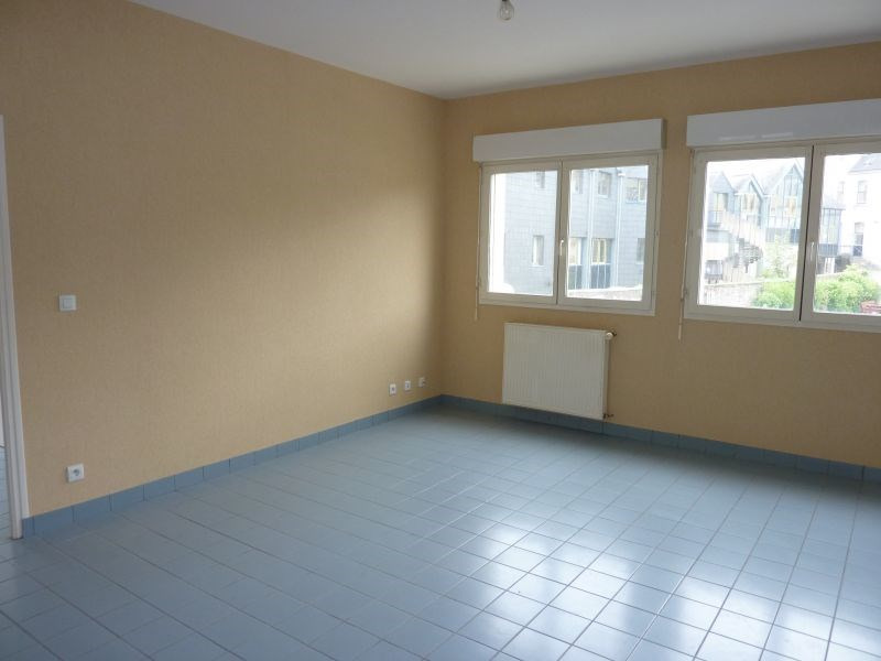 Rental apartment Pontivy 484€ CC - Picture 3