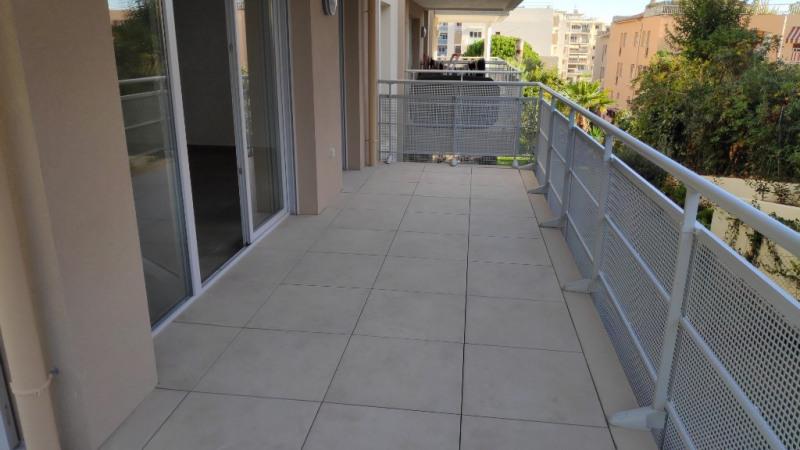 Rental apartment Saint laurent du var 960€ CC - Picture 5