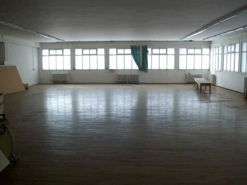 Sale empty room/storage Riorges 325 000€ - Picture 4