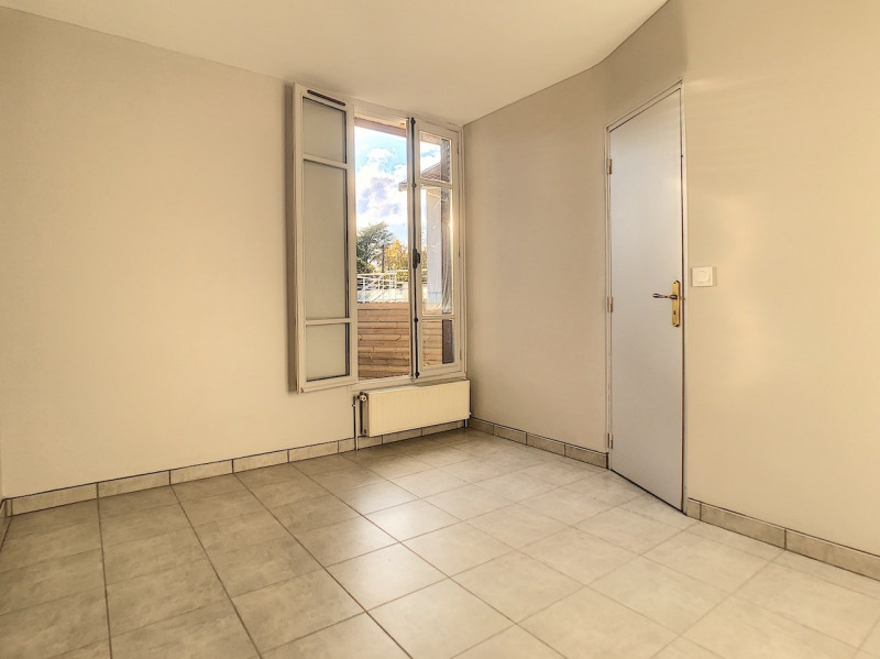 Location maison / villa Sainte foy les lyon 590€ CC - Photo 4