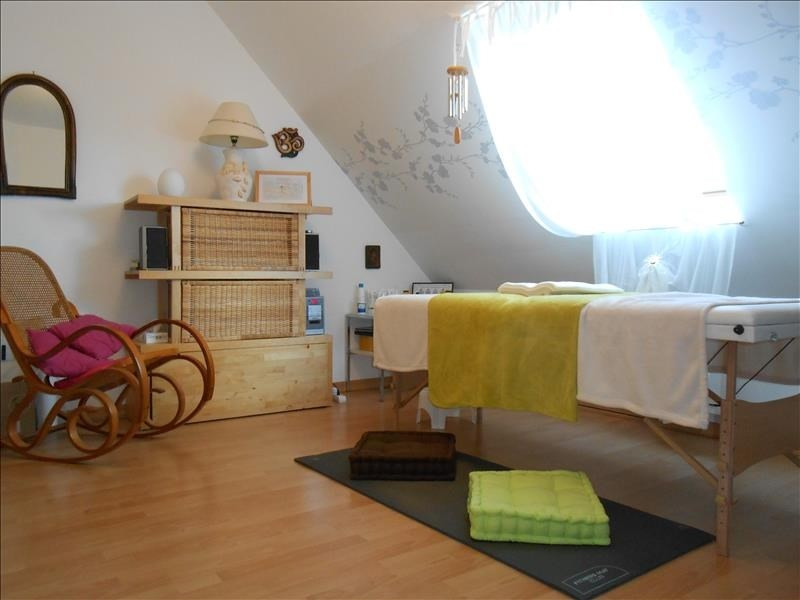 Sale house / villa Pluguffan 258795€ - Picture 4