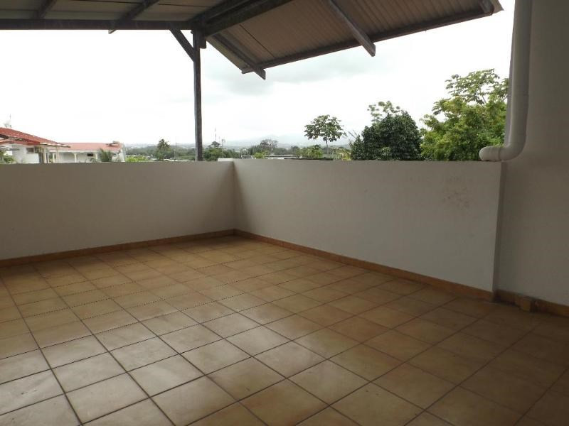 Sale house / villa Lamentin 346500€ - Picture 9