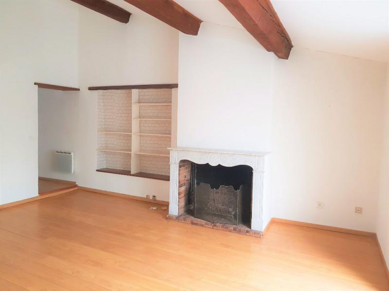 Lambesc à louer appartement T2 de 52 m² avec loggia