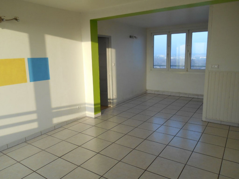 Rental apartment Saint quentin 545€ CC - Picture 2