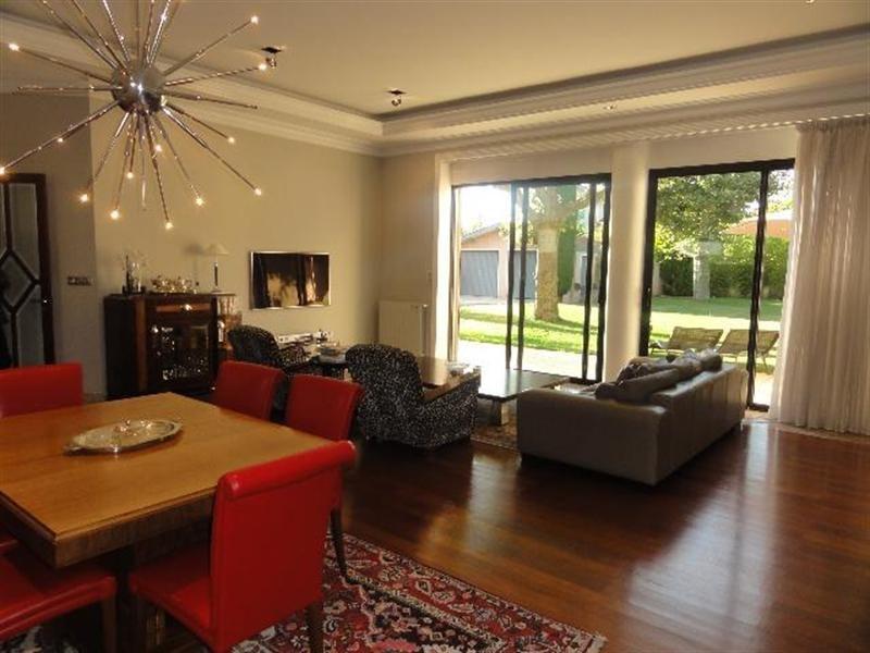 Deluxe sale house / villa Villeurbanne 990000€ - Picture 1