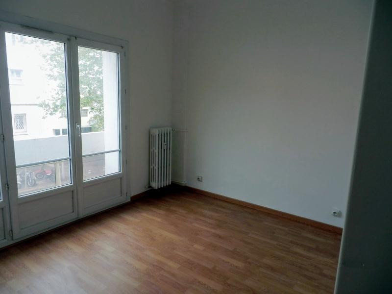 Location appartement Toulon 757€ CC - Photo 7