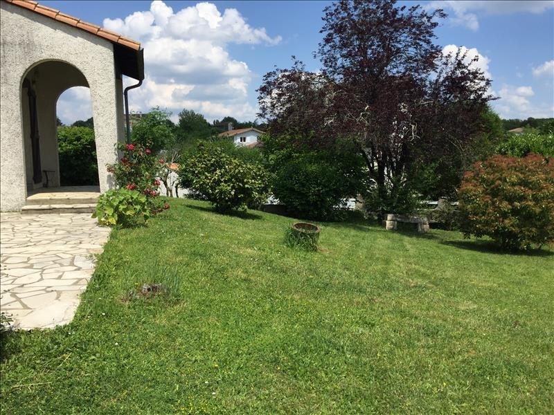 Sale house / villa Fontaine le comte 254000€ - Picture 1