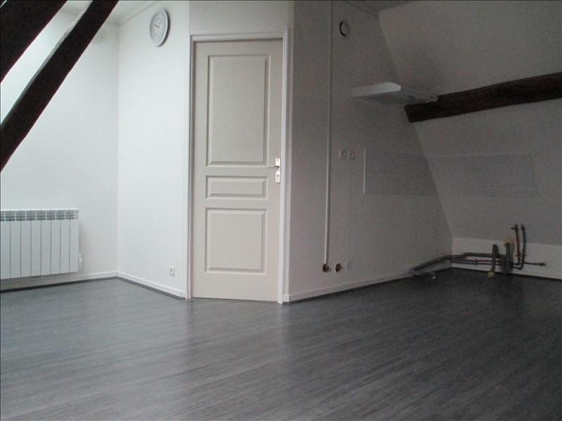 Sale apartment Cires les mello 69000€ - Picture 1