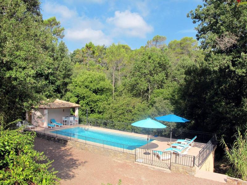 Vendita casa Bagnols-en-forêt 590000€ - Fotografia 2