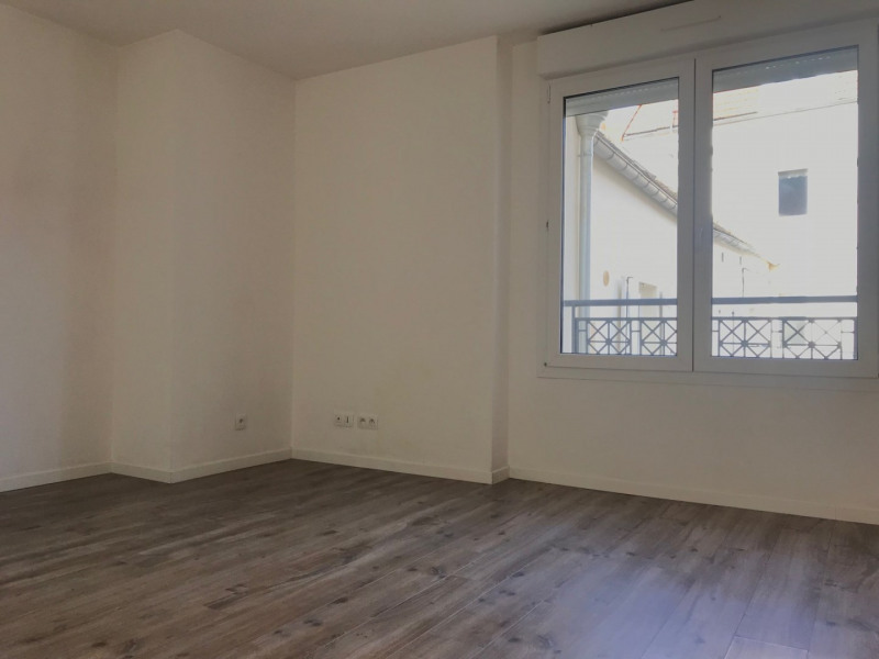 Location appartement Arpajon 770€ CC - Photo 3