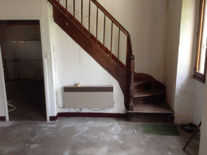 Sale house / villa Rostrenen 28000€ - Picture 2