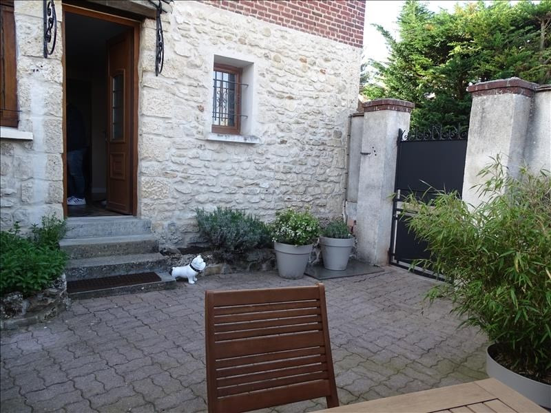 Sale house / villa Chambly 304 500€ - Picture 1
