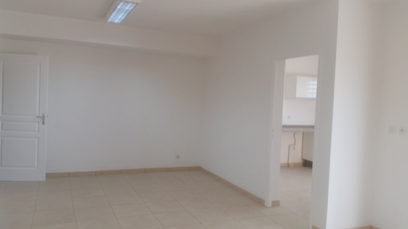Rental house / villa St andre 875€ CC - Picture 3