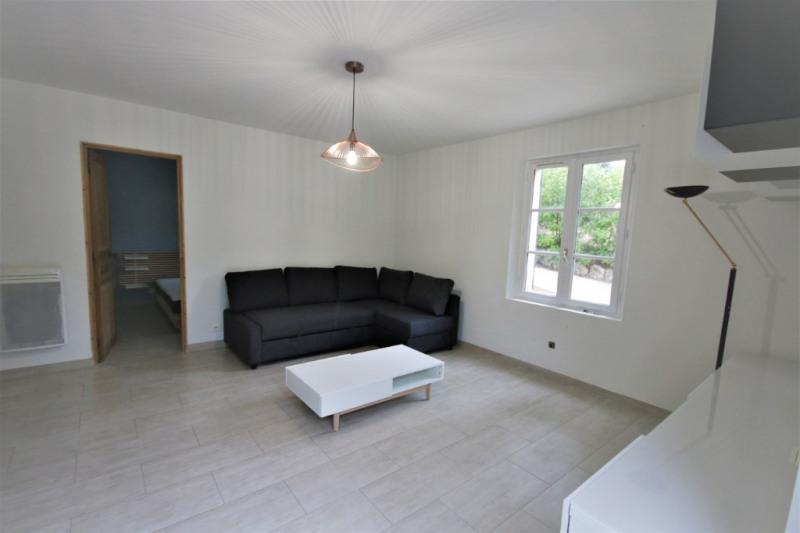 Rental apartment Meyrargues 750€ CC - Picture 3