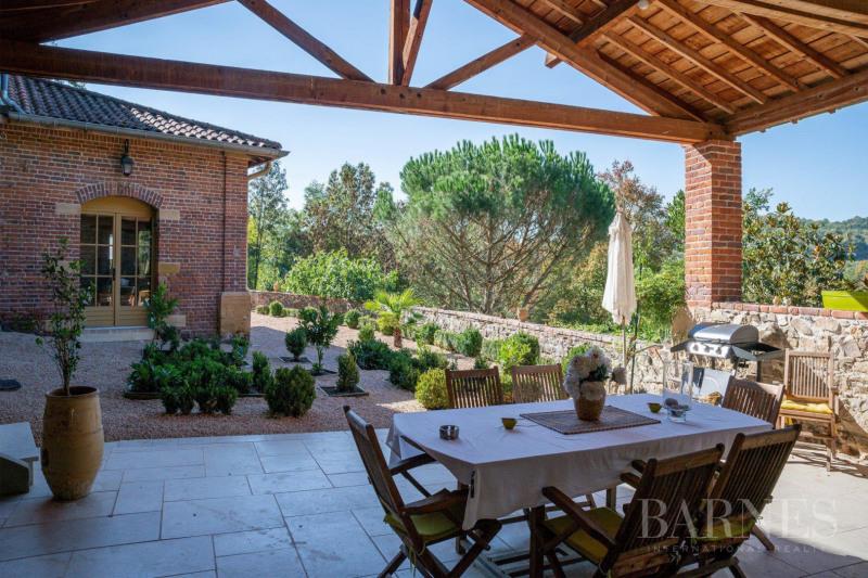 Deluxe sale house / villa Saint-vérand 790000€ - Picture 2