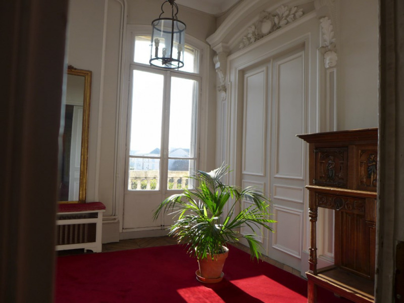 Location appartement Saint germain en laye 4 576€ CC - Photo 9