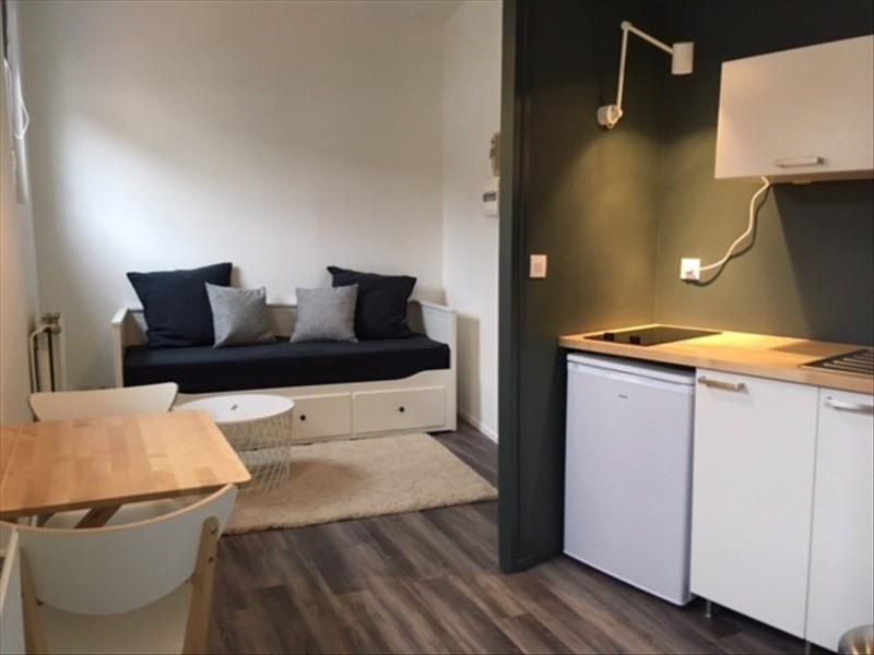 Rental apartment Lyon 1er 500€ CC - Picture 1