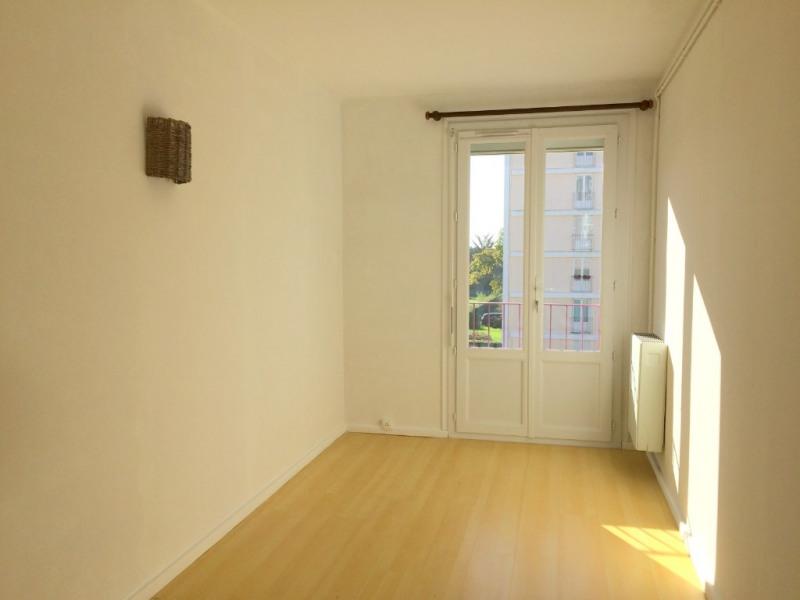 Rental apartment La rochelle 620€ CC - Picture 3
