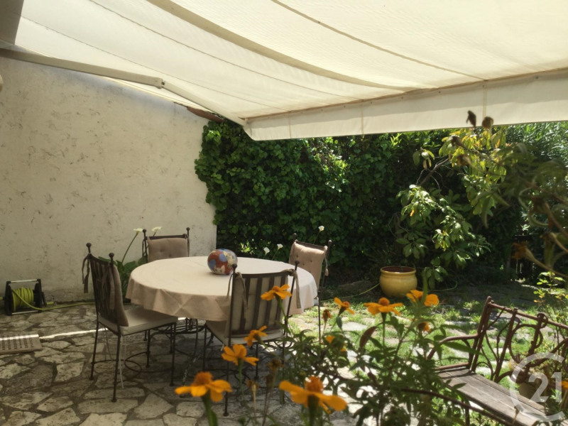 Deluxe sale house / villa Antibes 695000€ - Picture 4