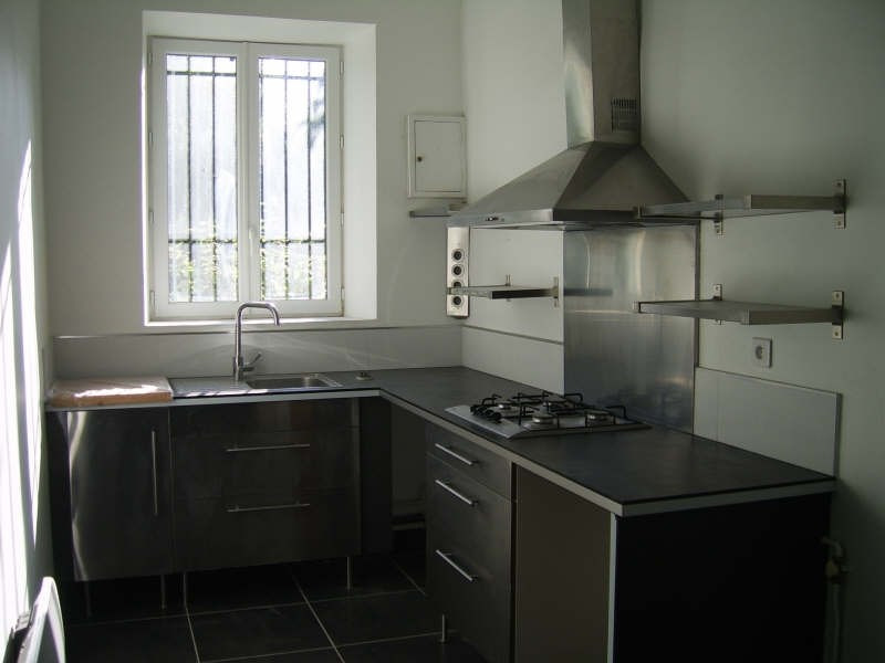 Rental apartment Nimes 580€ CC - Picture 2