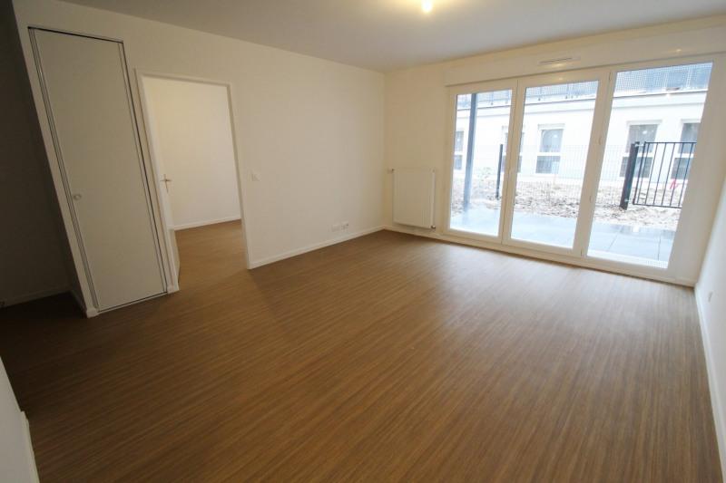 Rental apartment Maurepas 752€ CC - Picture 1