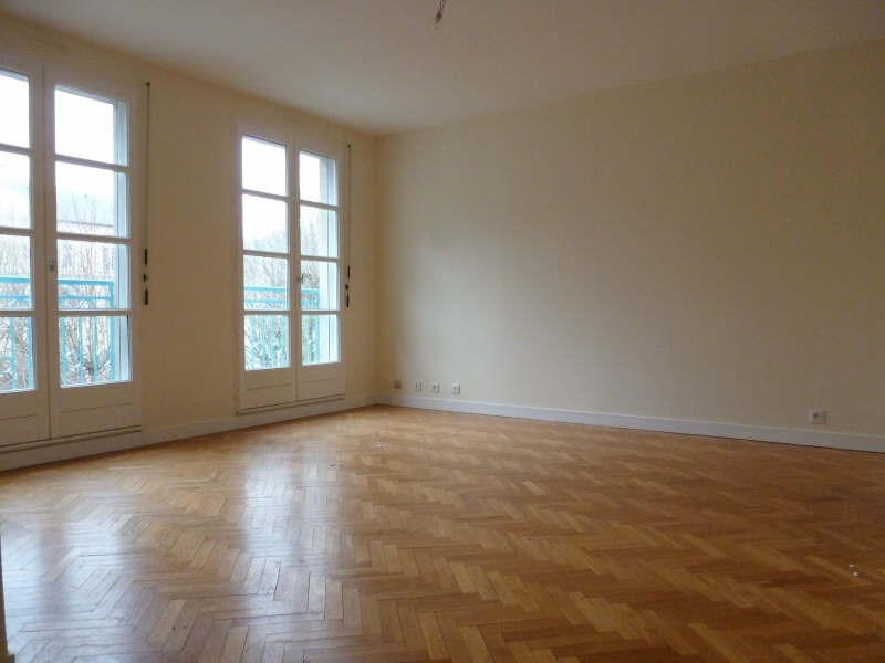 Rental apartment St germain en laye 1 130€ CC - Picture 1
