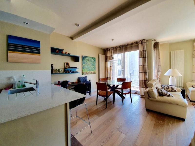 Vente de prestige appartement Paris 15ème 985000€ - Photo 2