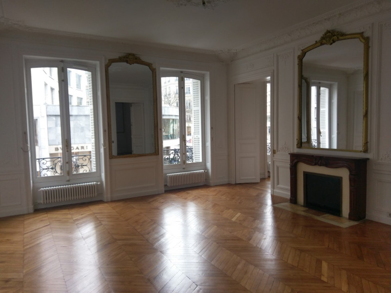 Rental apartment Paris 8ème 4 091,63€ CC - Picture 1