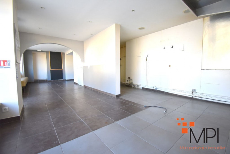 Rental building L hermitage 650€ HC - Picture 6