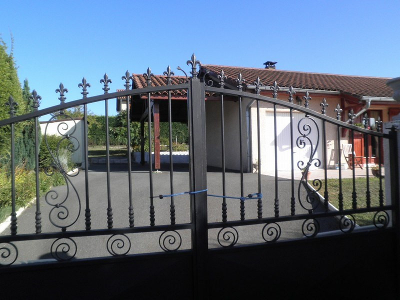 Sale house / villa Villeneuve de marc 235 000€ - Picture 4