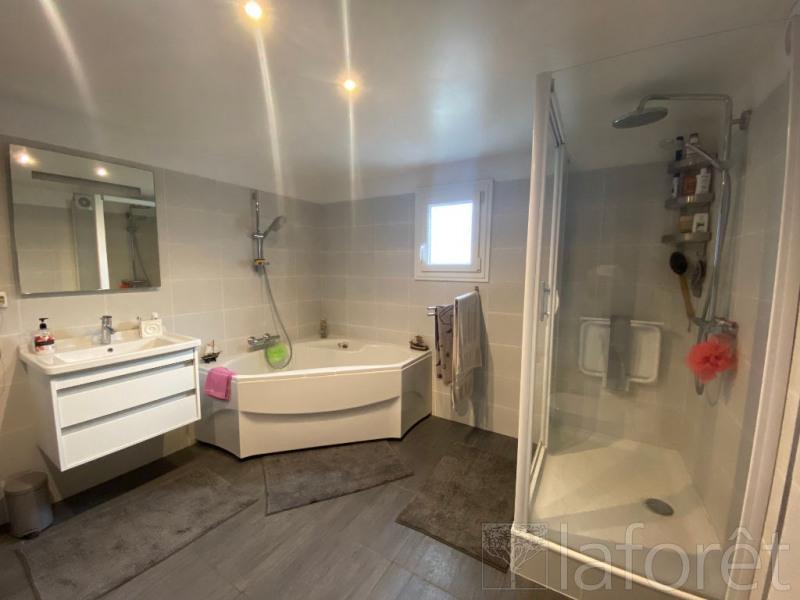 Sale house / villa L isle d'abeau 350000€ - Picture 8