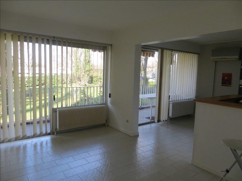 Locação apartamento Ste foy les lyon 1100€ CC - Fotografia 2