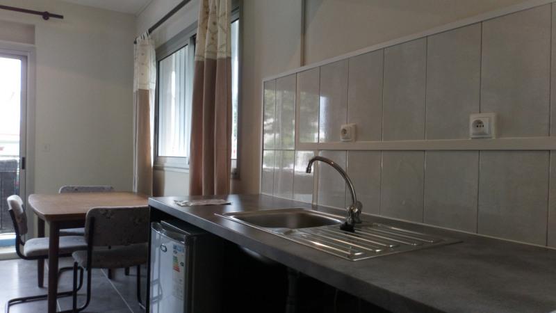 Location appartement Saint-benoît 340€ CC - Photo 2