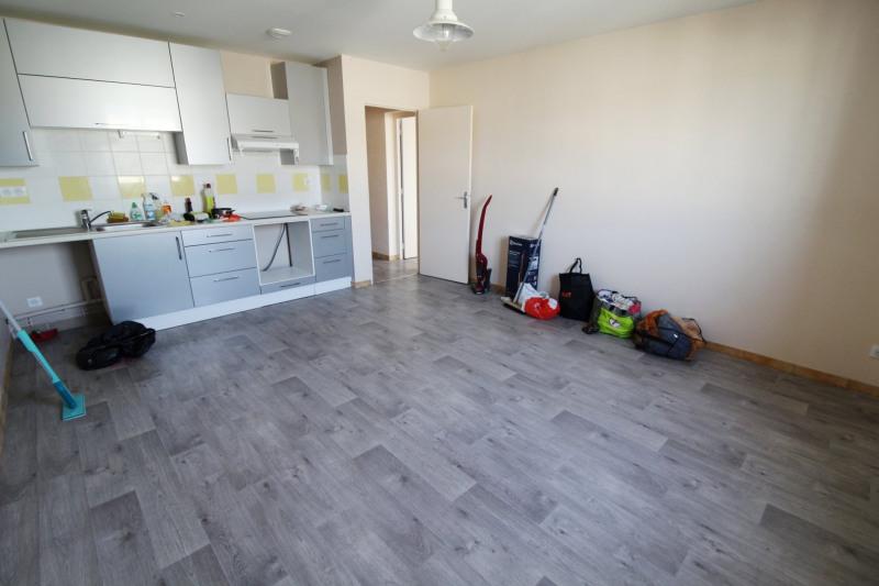 Rental apartment Maurepas 770€ CC - Picture 3