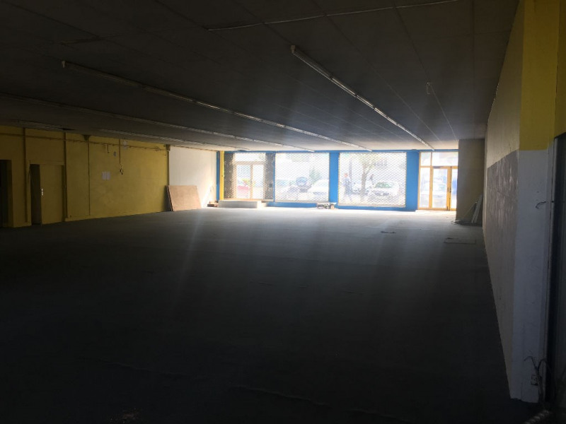 Location boutique Saint quentin 2 500€ HC - Photo 4