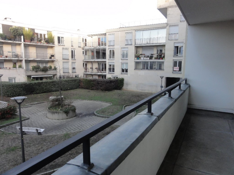 Sale apartment Chatou 185000€ - Picture 2